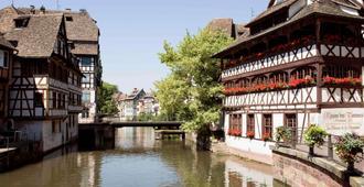 hotelF1 Strasbourg Pont de l'Europe (rénové) - Estrasburgo - Vista del exterior