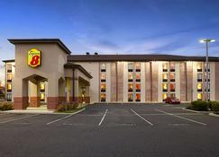 Super 8 by Wyndham Mount Laurel - Mount Laurel - Building