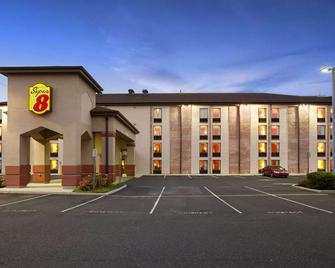 Super 8 by Wyndham Mount Laurel - Mount Laurel - Edificio