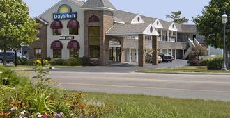 Days Inn by Wyndham Mackinaw City - Lakeview - Mackinaw City - Gebäude