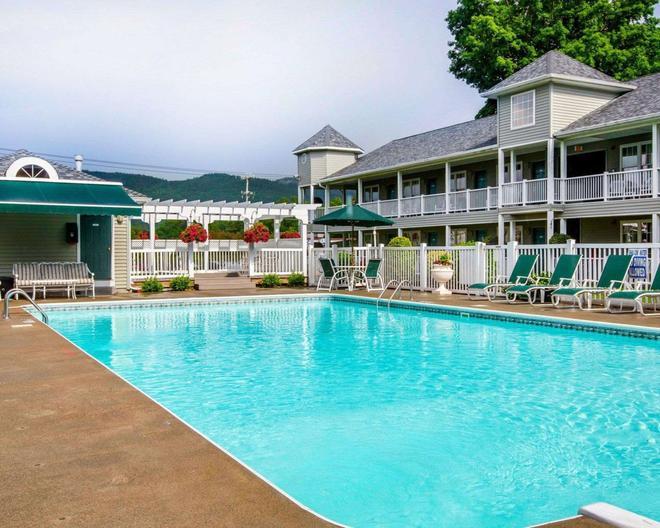 Quality Inn Lake George - Lake George - Pool