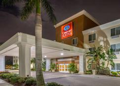 Comfort Suites Sarasota-Siesta Key - Sarasota - Building