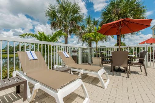 Comfort Suites Sarasota-Siesta Key - Sarasota - Balcony