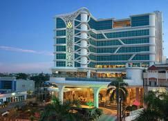 Golden Tulip Galaxy Hotel - Banjarmasin - Κτίριο