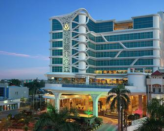 Golden Tulip Galaxy Hotel - Banjarmasin - Building