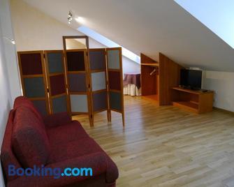 Apartamentos Russell - Torla - Living room