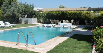 Limon Hotel - Cesme - Pool