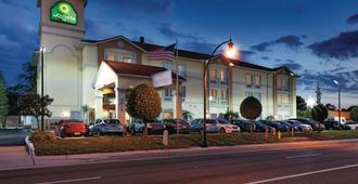 La Quinta Inn & Suites by Wyndham Tampa Bay Area-Tampa South - Tampa - Gebäude