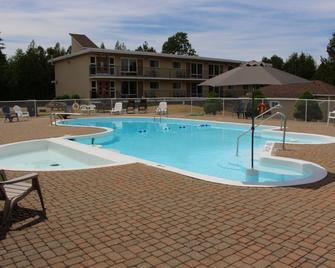 Sauble Beach Lodge - Sauble Beach - Pool