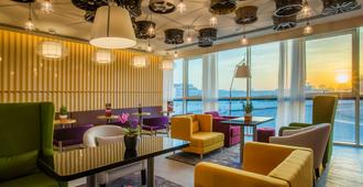 Park Inn by Radisson Dubai Motor City - Dubai - Lounge