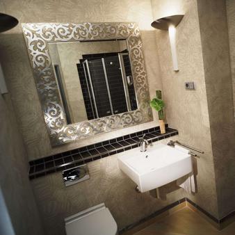 Turm Hotel - Frankfurt/ Main - Phòng tắm