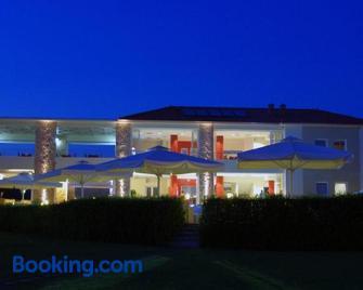 Antonios Village Hotel & Apartments - Arkoudi - Building