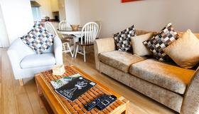 The Forum A2B - Dublin - Living room