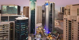 Tryp By Wyndham Dubai - Dubai - Vista exterior