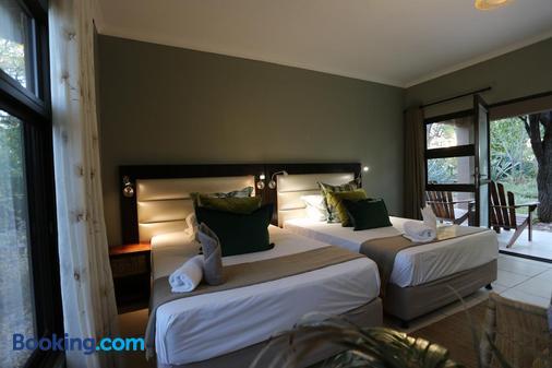 Toshari Lodge - Ombika - Bedroom