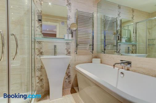 Number One South Beach - Blackpool - Bathroom