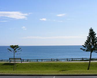 Ocean Beach Hotel - Cottesloe - Venkovní prostory