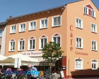 Cafe am Donautor - Kelheim - Building