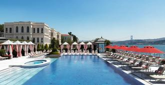 Four Seasons Hotel Istanbul at the Bosphorus - Istanbul - Pool