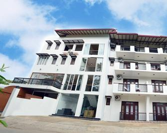 Gloria Grand Hotel - Unawatuna - Building