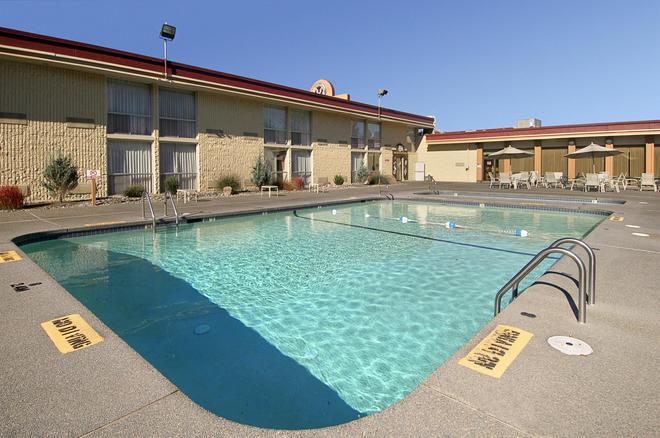 Red Lion Hotel Kelso Longview - Kelso - Pool
