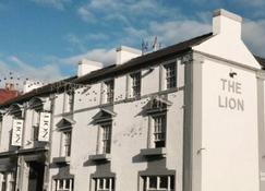 The Lion Hotel - Belper - Building