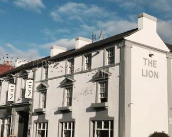 The Lion Hotel - Belper - Building