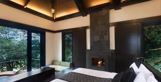 Taj Madikeri Resort & Spa, Coorg - Madikeri - Bedroom