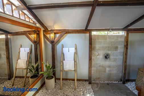Coconut Garden Resort - Pemenang - Casa de banho