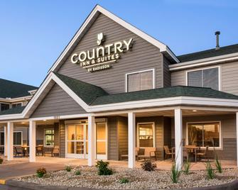 Country Inn & Suites by Radisson, Chippewa Falls - Chippewa Falls - Building