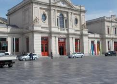Hotel La Royale - Lovaina - Edificio