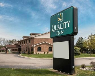 Quality Inn - Durand - Building