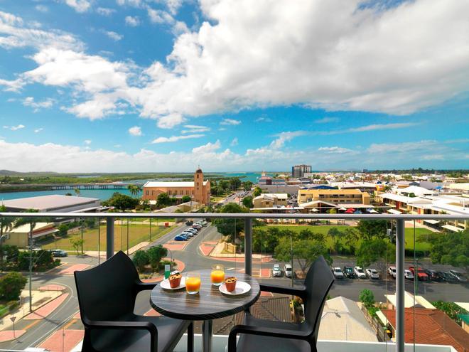 Oaks Rivermarque - Mackay - Balcony