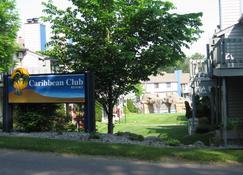 Caribbean Club Resort - Висконсин-Деллс - Вид снаружи