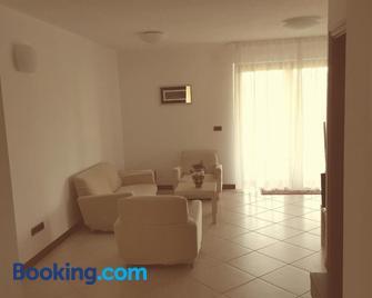 Residence Oliveto Mare Carso - Sistiana - Living room