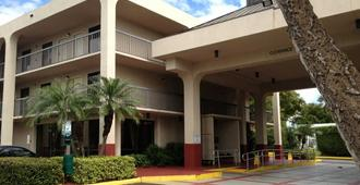 Quality Inn Palm Beach International Airport - West Palm Beach