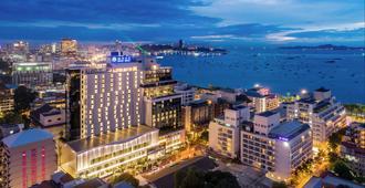 Mytt Beach Hotel - Pattaya - Outdoors view