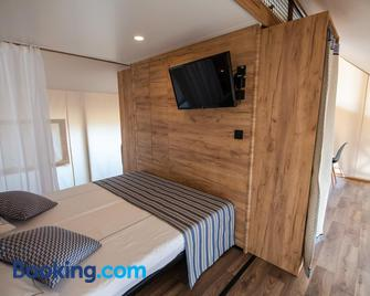 Arena One 99 Glamping - Medulin - Bedroom