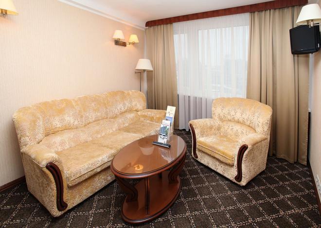 Premier Hotel Rus - Kyiv - Living room