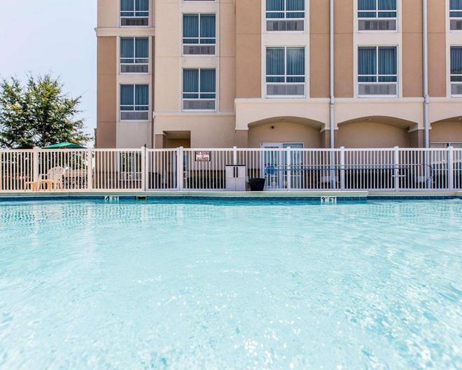 Comfort Suites - Valdosta - Pool