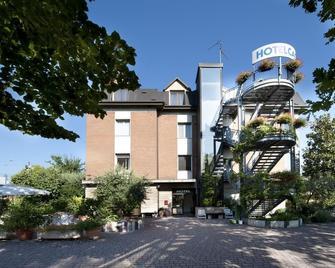Hotel Caselle - San Lazzaro di Savena - Edificio