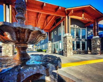 Cielo Hotel Bishop-Mammoth Ascend Hotel Collection - Bishop - Building