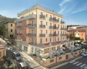 Hotel Monica - Chianciano Terme - Edificio