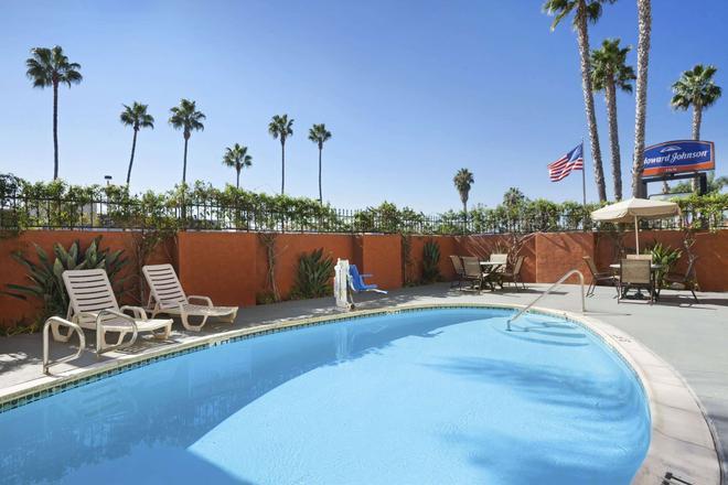 海洋世界豪生酒店 - 聖地牙哥 - 聖地亞哥 - 游泳池