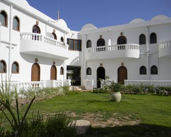 Blue Beach Club - Dahab - Building