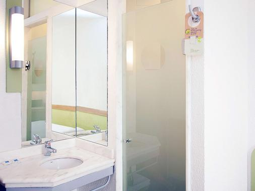 Ibis Budget Vitoria - Vitória - Bathroom