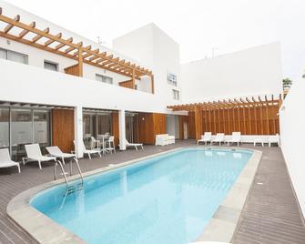 Hotel Da Luz - Espargos - Pool