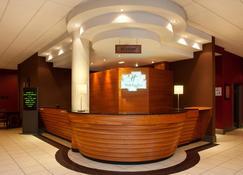 Holiday Inn Barnsley - Barnsley - Front desk