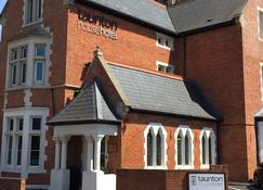 Taunton House Hotel - Taunton - Building