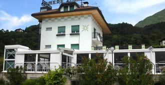 Hotel Karinhall - Trento - Rakennus